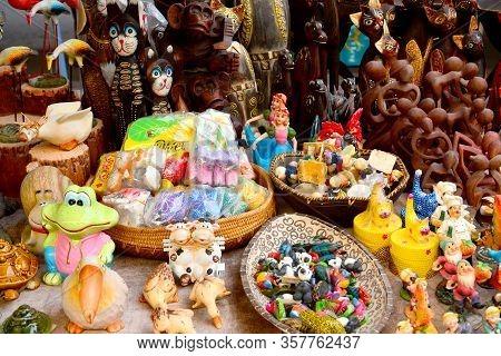 Kota Kinabalu, My - June 19: Jalan Gaya Weekend Market Stuffs On June 19, 2016 In Kota Kinabalu, Mal