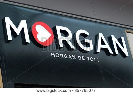 Bordeaux , Aquitaine / France - 10 17 2019 : Shop Logo Morgan Store Sign In Street Clothing Women Fr