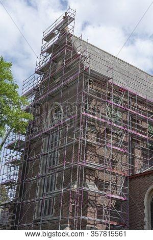 Sint Gillis Waas, Belgium, 16 August 2019, Scaffolding Against The Sant'egidio Church For A Major Re