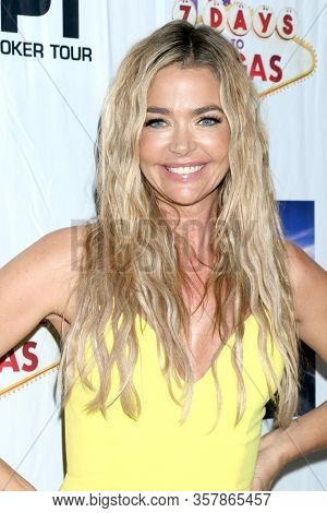 LOS ANGELES - SEP 22:  Denise Richards at the
