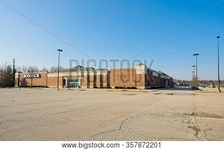 Macedonia, Oh, Usa - March 25, 2020: A Kohls Department Store, Closed Because Of The Coronavirus Epi