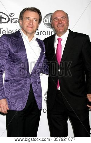 LOS ANGELES - JAN 10:   Robert Herjavec, Kevin O'Leary at the ABC TCA Party Winter 2012 at the Langham Huntington Hotel on January 10, 2012 in Pasadena, CA
