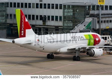 Dusseldorf, Nrw, Germany - June 18, 2019: Dusseldorf, Nrw, Germany - June 18, 2019:  Airplane Of Por