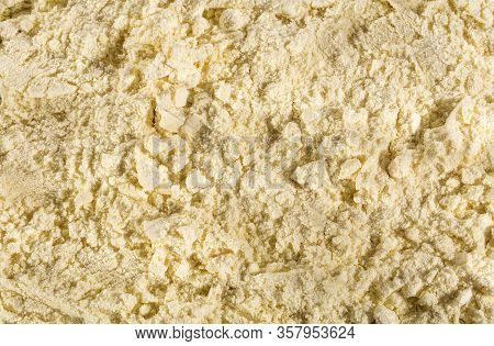 Sugary Milk Powder Enriched With Calcium, Iron And Vitamins