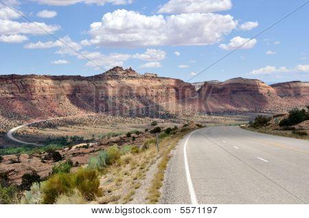 Road To Comb Ridge
