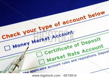 Wählen Sie Ihr Bankkonto in den Ueberweisungstraeger isoliert auf blau