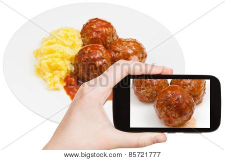 Tourist Photographs Of Meat Balls