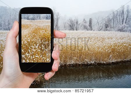Tourist Photographs Of Hudson River In Winter
