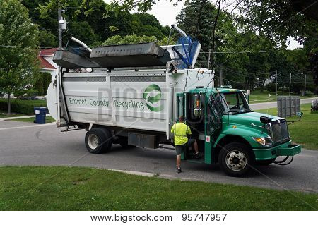 Emmet County Recycling Truck
