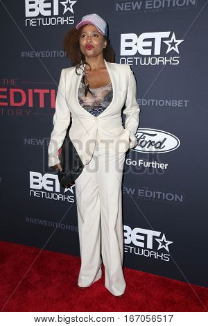 LOS ANGELES - JAN 23:  Lisa Nicole Carson at the BET's