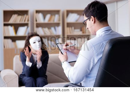 Woman with mask during psychologist visit