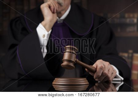 Courtroom, Judge, male judge in black mirror background