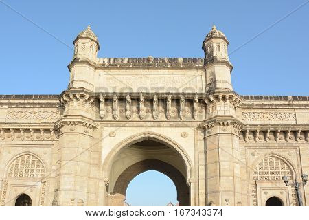 Gateway Of India Detail
