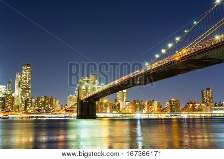 Brooklyn bridge, manhattan night view from hudson