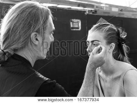 Monique Lhuillier - Backstage - Spring 2017 Collection