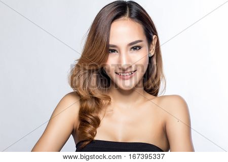 Beautiful Eyes, Full Lips, Perfect Skin Is Posing In Studio For Glamour Vogue Test Photo Shoot Showi