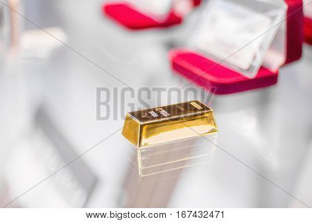 Photo of a gold bar in a jewelry shop