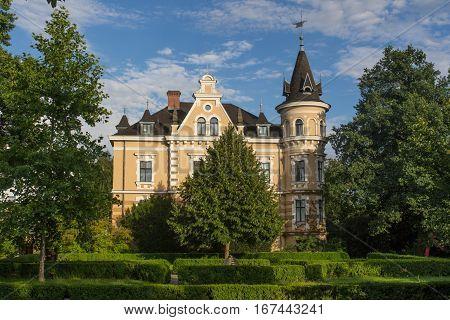 Kebbelvilla an old villa in Fronberg - Schwandorf in Bavaria with a nice garden in summer