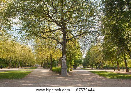 Sculpture in Park de Bruxelles
