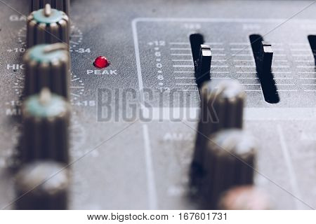 PEAK, closeup equipment for sound mixer control