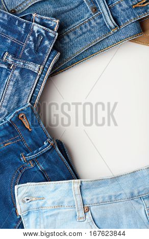 Round Shape Jeans Boarder