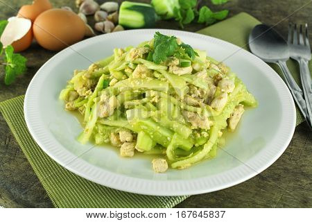 stir fried cucumber with chicken and eggs