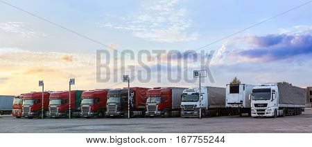 Scania, Man & Mercedes Heavy Trucks With Trailers