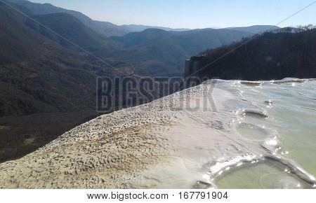 Hierve el agua, Oaxaca cascadas petrificadas aguas minerales