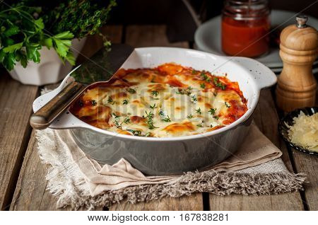 Baked Stuffed Conchiglioni With Tomato