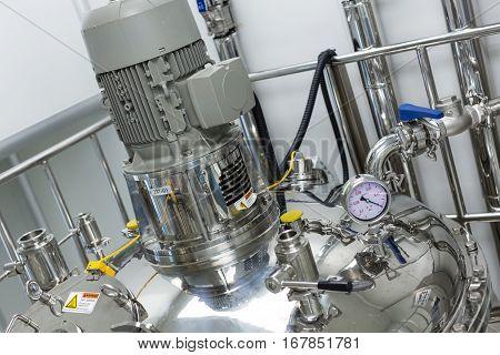 Big Steel Pressure Tank