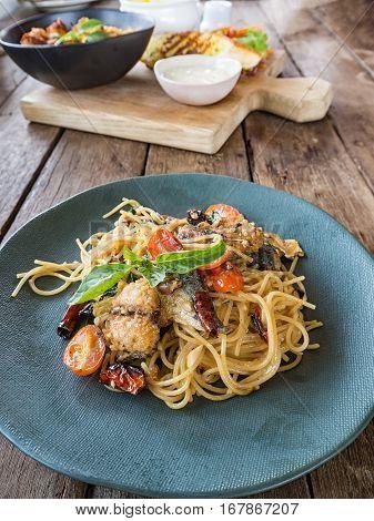 Spaghetti Pasta With Mackerel And Tomato Sauce