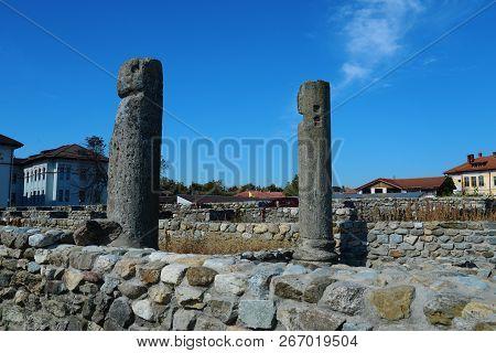 Drobeta Turnu Severin City Roman Fort Ruins Column Architecture Detail