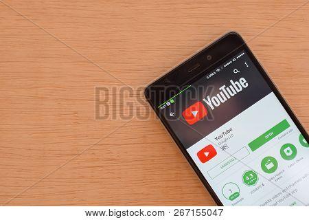 Bekasi, West Java, Indonesia. November 6, 2018 : Youtube Dev App With Magnifying On Smartphone Scree