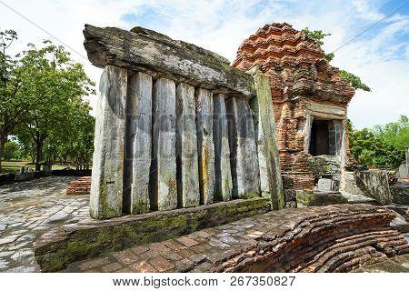 Ancient ruined Wat Chetuphon in Sukhothai Historical Park, Sukhothai province, Thailand poster
