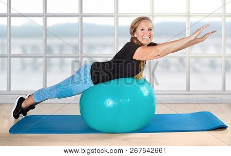 Sport Retiree Pensioner Ball Exercise Age Fit