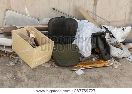 Close, Up, View, Pile, Old, Office, Furniture, Furnishings, Chairs, General, Waste, Piled, Next, Wal