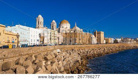Cadiz, Spain - November 15: View Of The City Of Cadiz On November 12, 2017. Cadiz Is Bordered By The
