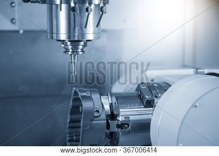 The  Cnc  Milling Machine Cutting  The Automotive Casting  Parts By Solid Endmill Tool. The Hi-techn