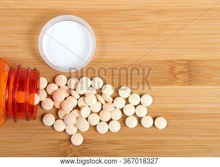 Alameda, Ca - Apr 29, 2020: Top View Flat Lay 1 Prescription Bottle Of Famotidine, Generic For Pepci