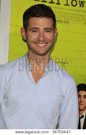 LOS ANGELES - SEP 10:  Julian Morris arrives at
