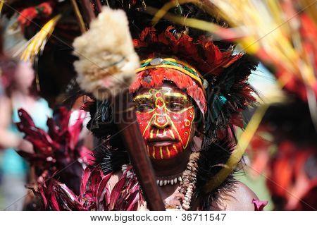 GOROKA, PAPUA, NEW GUINEA - SEPTEMBER 17: colorful portrait of  an aboriginal at Goroka Tribal Festival. Papua New Guinea on September 17, 2011