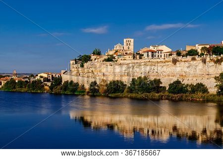 Zamora Cathedral, Old Town And Douro River. Zamora, Spain