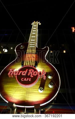 Las Vegas, Nv, Usa - Nov 20, 2010: Giant Guitar On Facade At The Entrance Of The Hard Rock Cafe In L