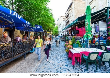 Belgrade, Serbia - May 16, 2013: Street Cafe And Restaurant At Skadarlija, A Vintage Street In Stari