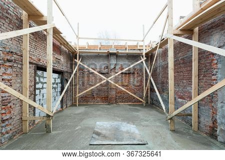 Strengthening Walls Inside Building With Cement Filling Floor In Apartment Is Under Construction, Re
