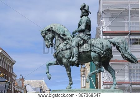 The Hague, The Netherlands - May 15 2020:  The Statue Of William I, Prince Of Orange Or Willem Van O