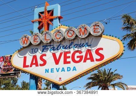 Las Vegas, Usa - April 14, 2014: Welcome To Fabulous Las Vegas Nevada, The Famous Sign In Las Vegas.