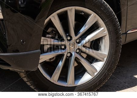 Novosibirsk/ Russia - May 03 2020: Lexus Rx 330,close-up Of The Alloy Wheel. Photography Of A Modern