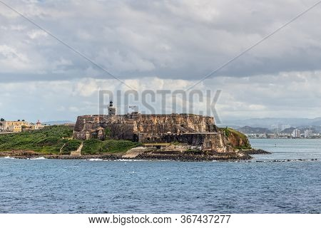 View Of El Morro Fortress In San Juan, Puerto Rico In Cloudy Weather
