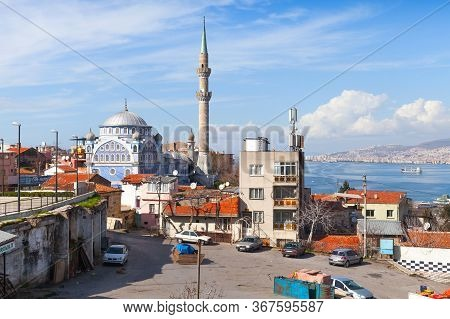 Izmir, Turkey - February 7, 2015: Street View With Mosque Fatih Camii In Old Part Of Izmir City